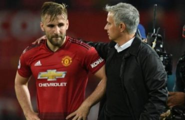 Manchester United's Luke Shaw signs new contract